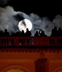 ¡Y llegó la Primera Superluna del 2020!… ¿Qué Oráculo traerá?